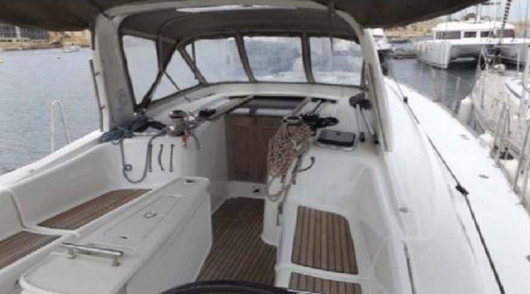 Sloop boat rental in Portomaso Marina, Malta