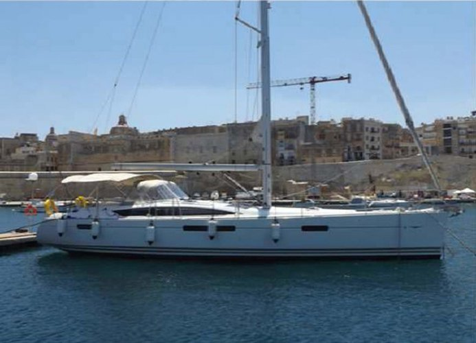 An exceptional sailboat Jeanneau 53 for charter in Malta