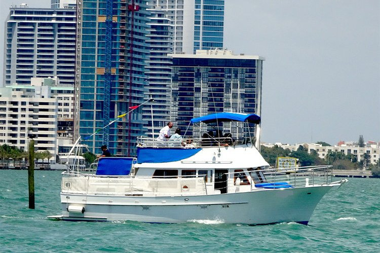 20 Guests Motor Yacht (Not Just 13!)