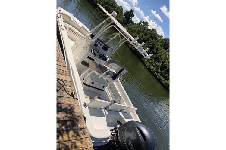 Center console boat rental in Bradenton, FL