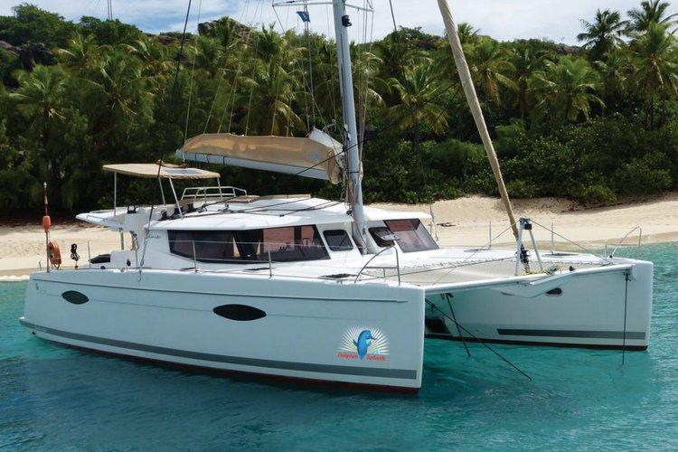 Set sail in British Virgin Islands aboard Fountaine Pajot  Helia 44