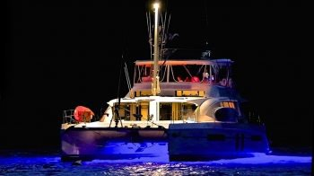 Discover Road Town surroundings on this 48 Leopard boat