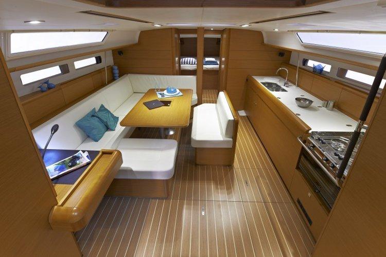 Discover Sibenik surroundings on this 479 Sun Odyssey boat