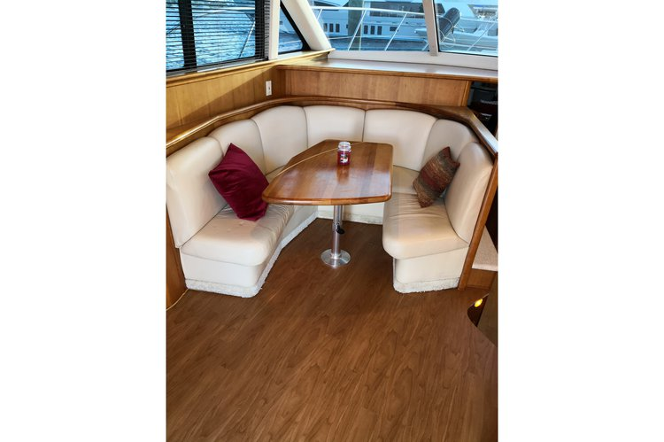 Offshore sport fishing boat for rent in Nassau