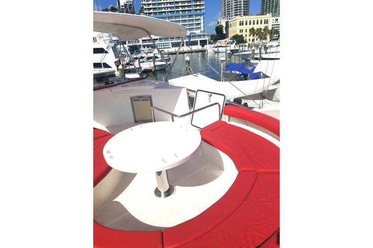 Mega yacht boat for rent in Miami