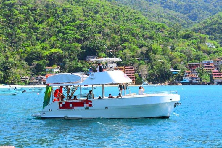 Boat for rent Ad 42.0 feet in Marina Nuevo Vallarta, Mexico