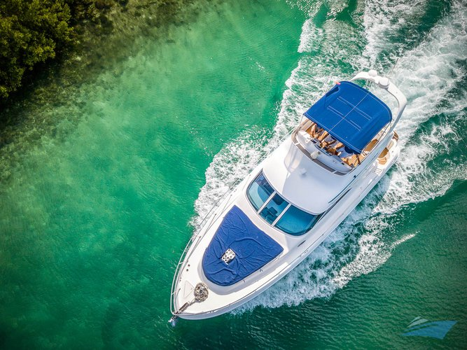 Motor yacht boat rental in Puerto Aventuras Marina, Mexico