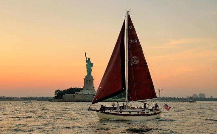 Sail NYC's skyline aboard a classic sailboat!