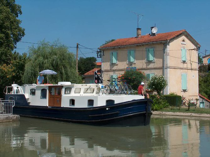 Tonnerre, FR cruising at its best