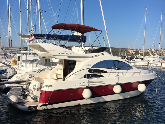 Explore Pirovac on this beautiful motor boat for rent