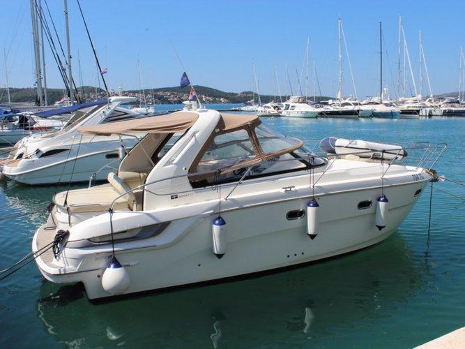 Jump aboard this beautiful Bavaria Yachtbau Bavaria 32 Sport