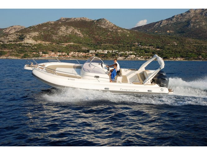 The perfect boat to enjoy everything Cannigione, IT has to offer
