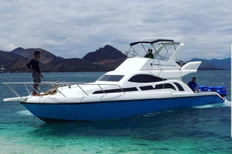 Get the perfect motor boat to enjoy Indonesia in style