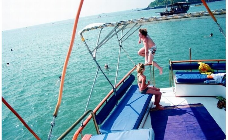 Up to 27 persons can enjoy a ride on this Trawler boat