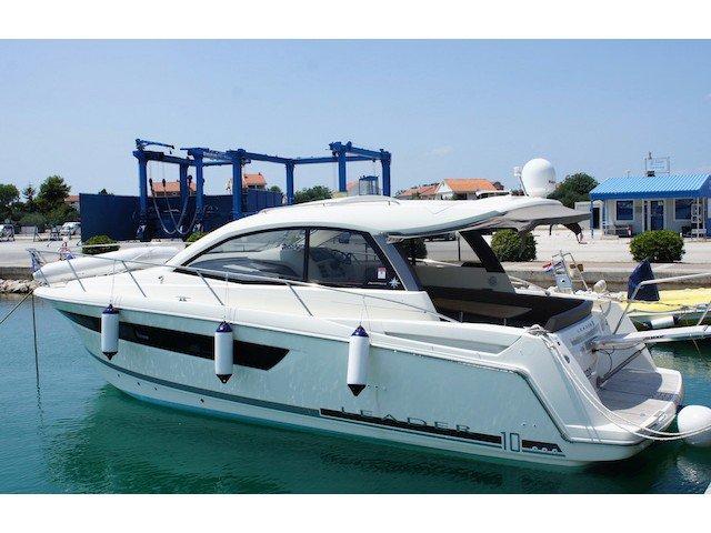Enjoy luxury and comfort on this Sukošan motor boat charter