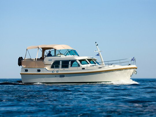 Charter this amazing Linssen Linssen Grand Sturdy 40.9 AC in Auxerre, FR