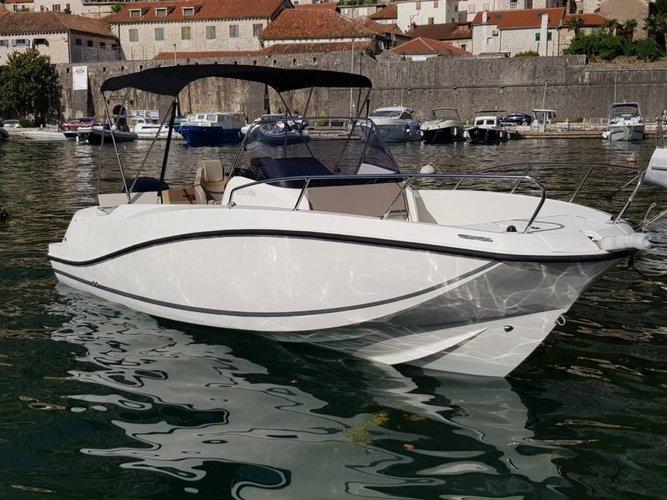 This motor boat rental is perfect to enjoy Kotor