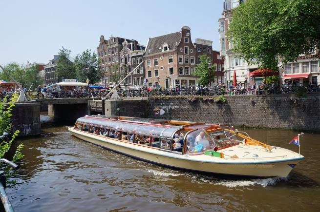 Go on a nautical adventure on this elegant electric boat