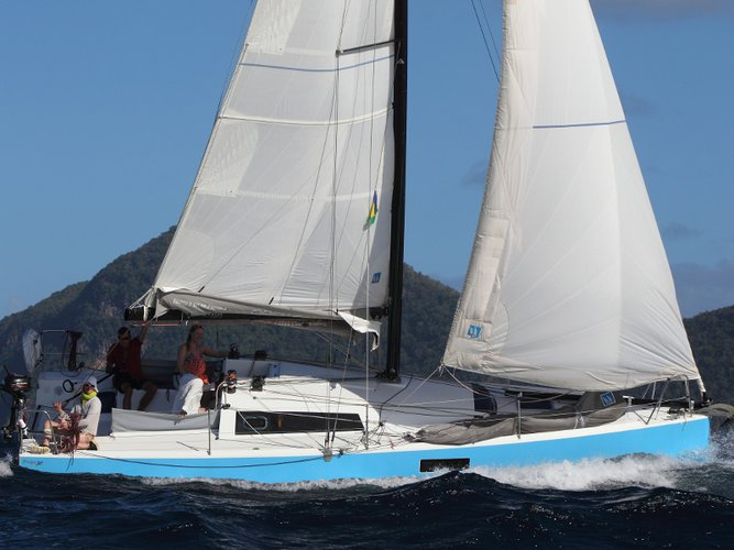 Experience Bormes-les-Mimosas on board this elegant sailboat