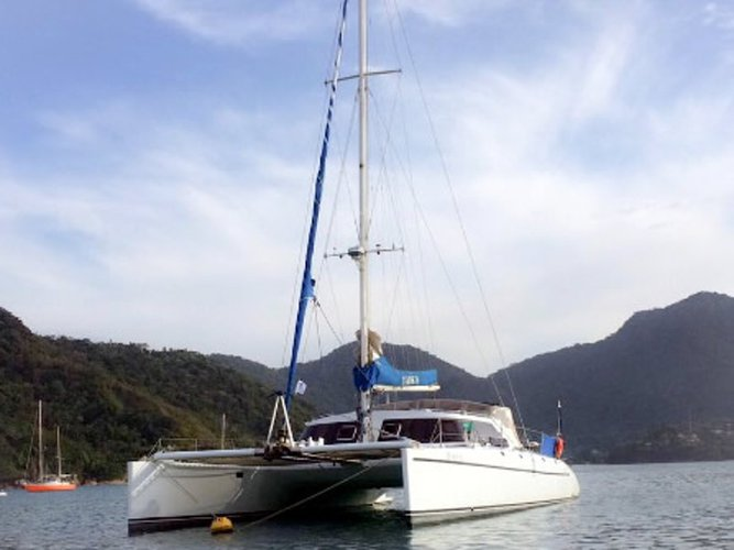 Get on the water and enjoy Rio de Janeiro in style on our  Tiare 51