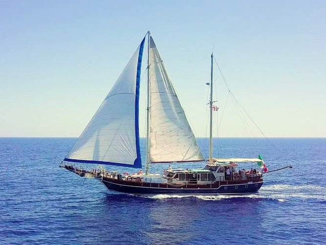 Beautiful  Gulet ideal for sailing and fun in the sun!