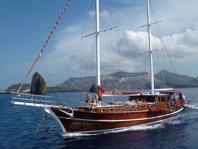 The perfect boat to enjoy everything Lipari, IT has to offer