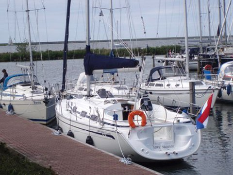 Get on the water and enjoy Yerseke in style on our Bavaria Yachtbau Bavaria 30 Cruiser