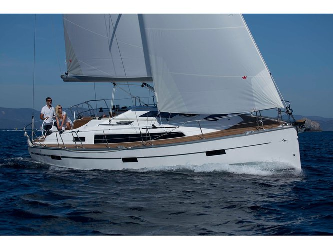 Relax on board our sailboat charter in Angra do Heriosmo
