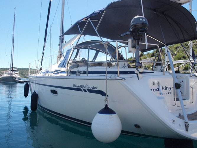 Sail the beautiful waters of Primošten on this cozy Bavaria Yachtbau Bavaria 42