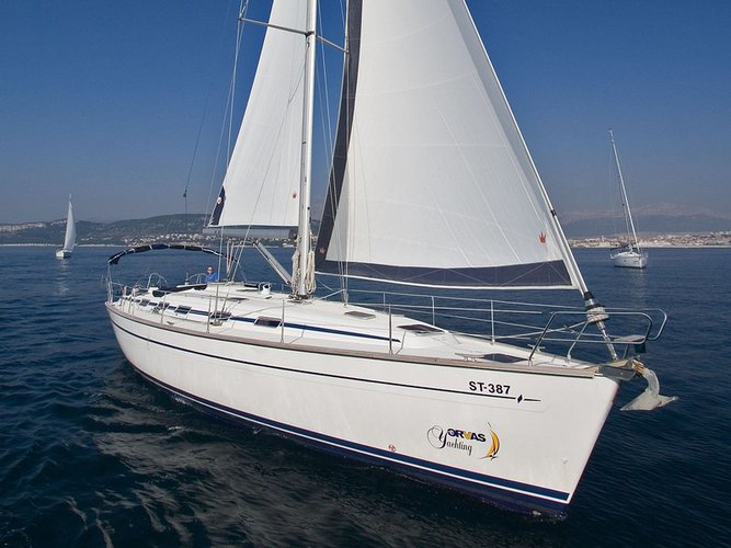 Relax on board our sailboat charter in Split