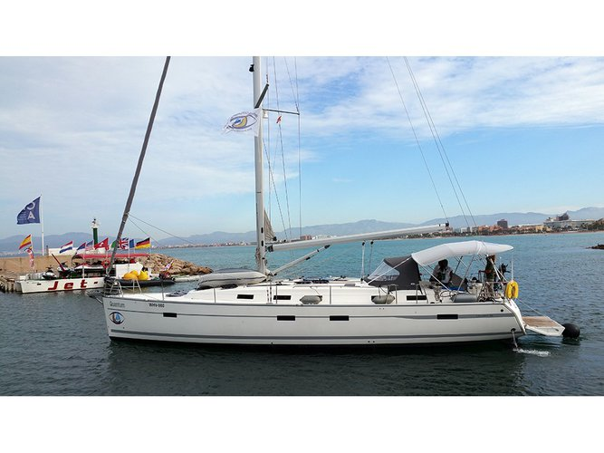 Relax on board our sailboat charter in El Arenal