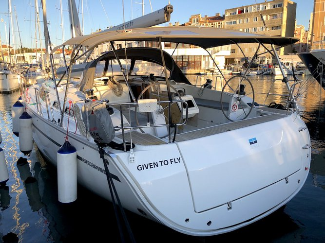 The perfect boat to enjoy everything Zadar, HR has to offer