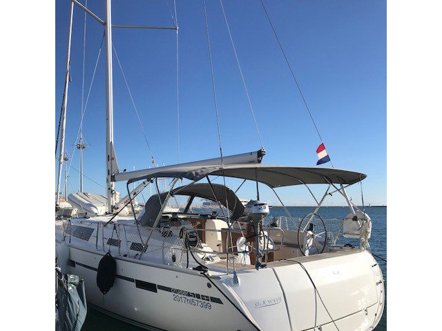 The perfect boat to enjoy everything Cagliari, IT has to offer