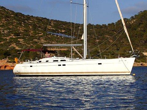 Enjoy luxury and comfort on this Beneteau Oceanis 473 in Palma de Mallorca