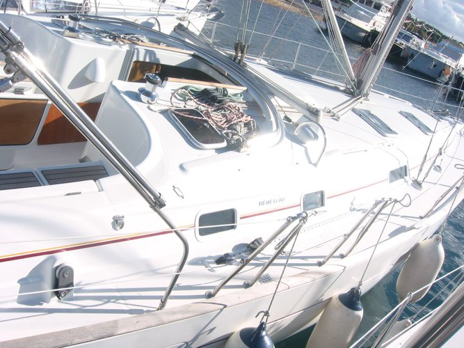 Enjoy luxury and comfort on this Baška Voda sailboat charter