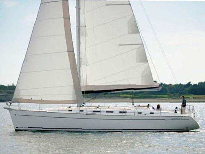 Beautiful Beneteau Beneteau Cyclades 43.4 ideal for sailing and fun in the sun!