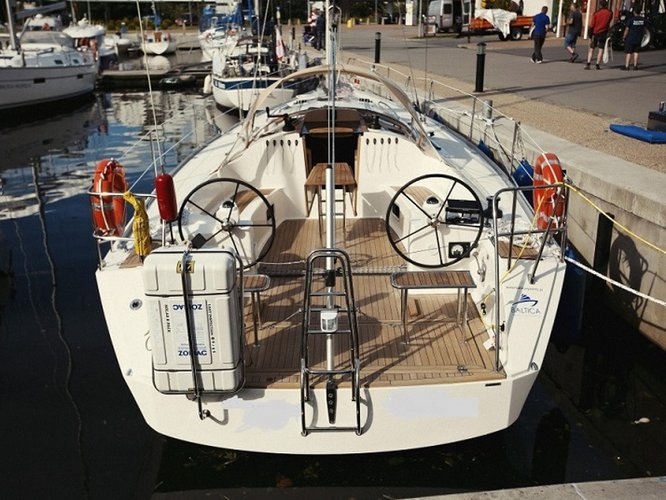 Beautiful Cobra Yachts Cobra 41  ideal for sailing and fun in the sun!