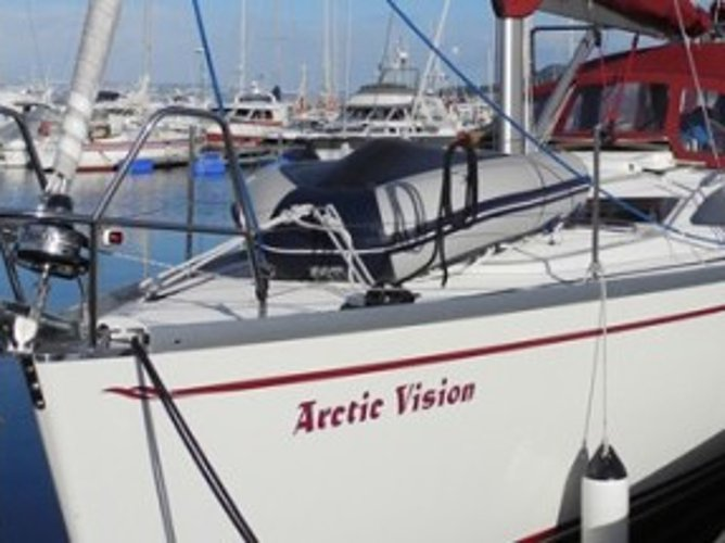 Enjoy luxury and comfort on this Delphia Yachts Delphia 37 in Svolvaer