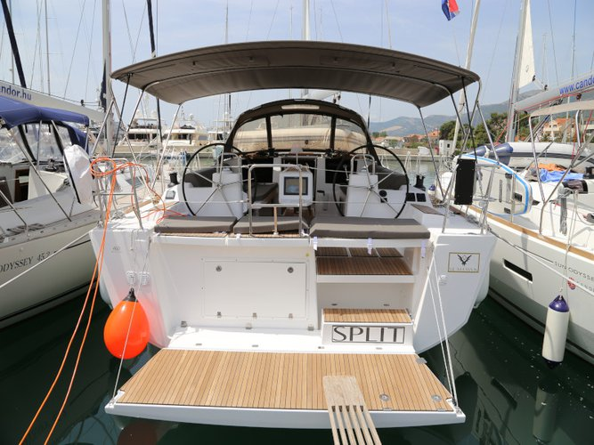 Discover Kaštel Gomilica in style boating on this sailboat rental