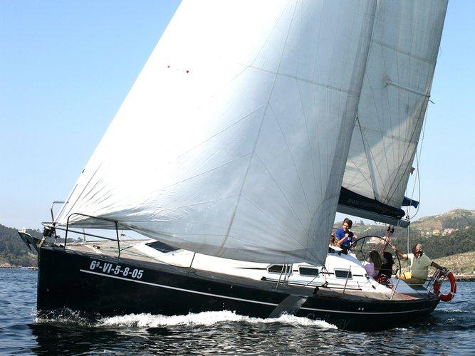 Sail the beautiful waters of Pontevedra on this cozy Elan Elan Performance 37
