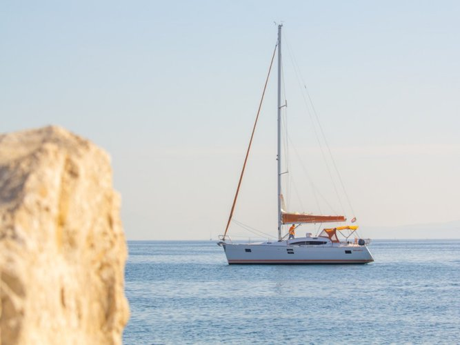 Jump aboard this beautiful Elan Elan 45 Impression
