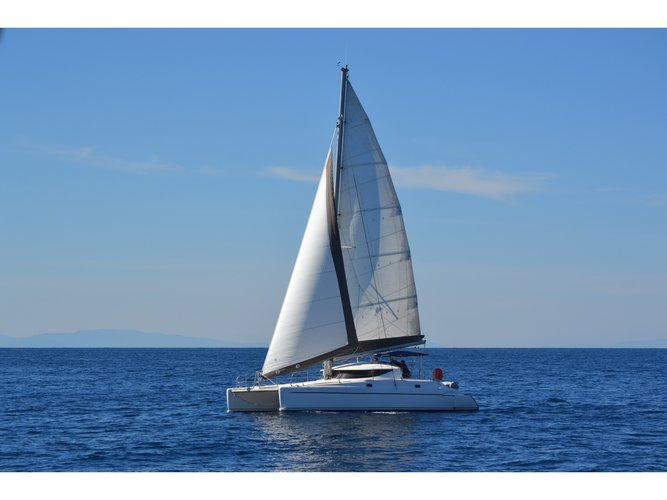 Beautiful Fountaine Pajot Athena 38 ideal for sailing and fun in the sun!