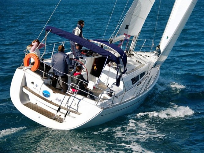 Unique experience on this beautiful Jeanneau SUN ODYSSEY 36i