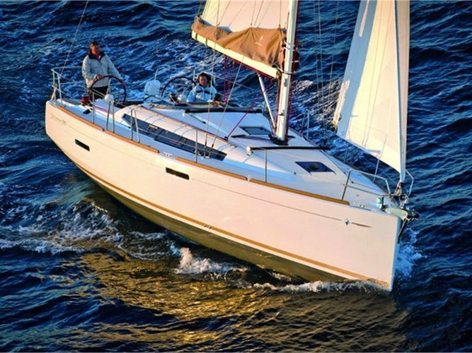 Enjoy Zeebrugge, BE to the fullest on our comfortable Jeanneau Sun Odyssey 389