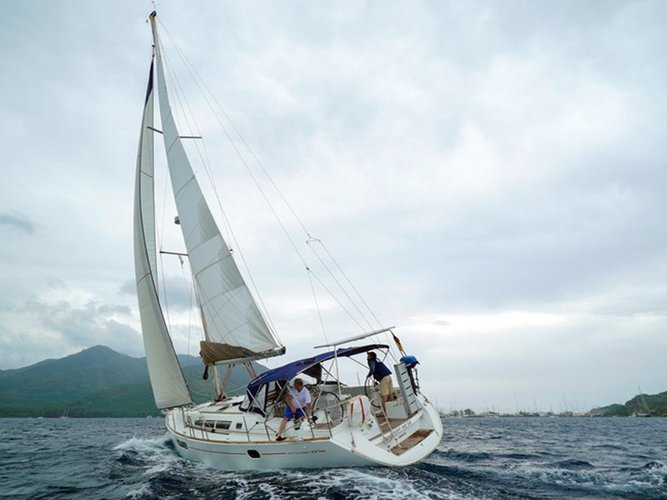 All you need to do is relax and have fun aboard the Jeanneau Sun Odyssey 44 i
