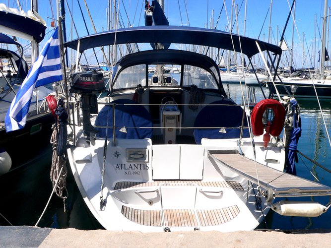 Sail the beautiful waters of Preveza on this cozy Jeanneau Sun Odyssey 52.2 Cabin
