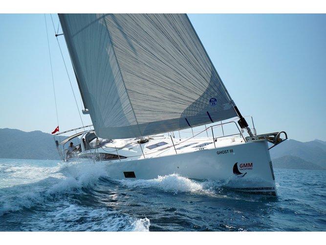 Beautiful Jeanneau Jeanneau 64 ideal for sailing and fun in the sun!