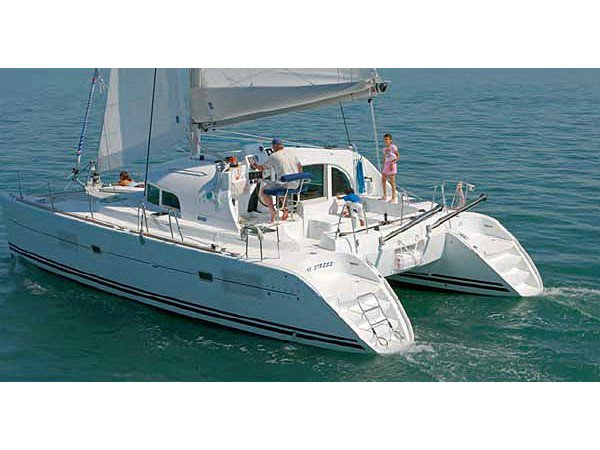 Sail the beautiful waters of Fethiye on this cozy Lagoon Lagoon 380 S2