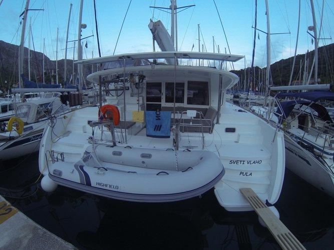 Enjoy luxury and comfort on this Lagoon Lagoon 400 S2 in Dubrovnik