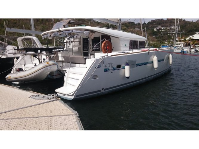 Unique experience on this beautiful Lagoon Lagoon 400 S2